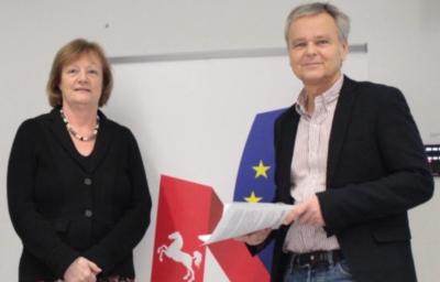 Staatssekretärin Jutta Kremer im Gespräch mit Hans-Herbert Jenckel über den Brexit.